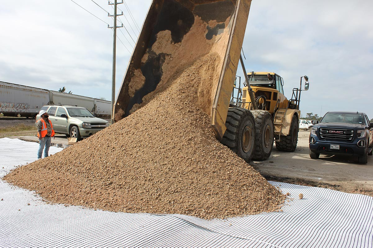 pouring aggregate on FabGrid